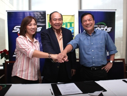 KBPIP's Ish Panganiban, PCCL Chairman Rey Gamboa, and ABS-CBN Sports Head Peter Musngi