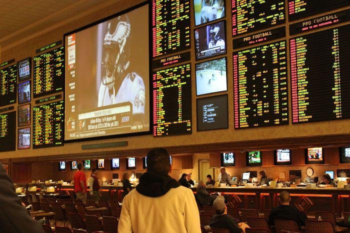1200px-Las_Vegas_sportsbook.jpg